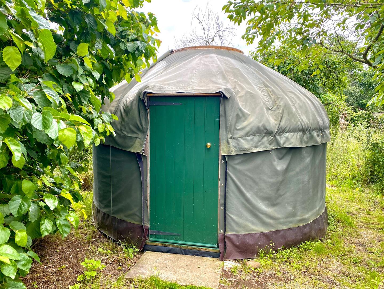 Max's Yurt 1