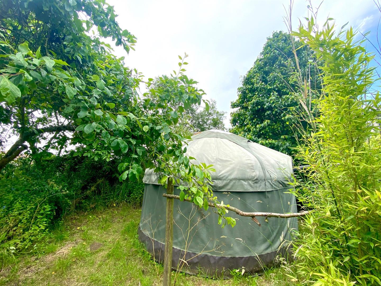 Max's Yurt 2